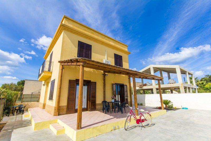 Appartamenti Elios, holiday rental in Locogrande