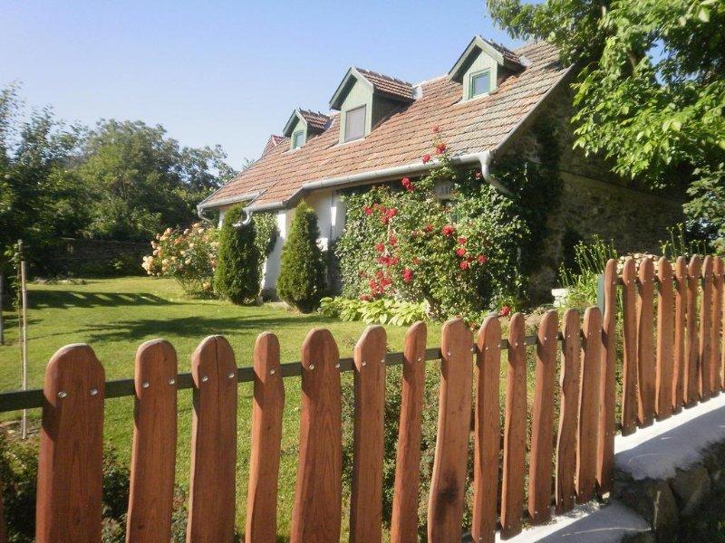 Kapolcs Cottage, casa vacanza a Kaptalantoti
