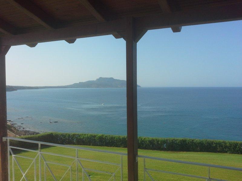 Private sea-view villa, vacation rental in Karavostasi