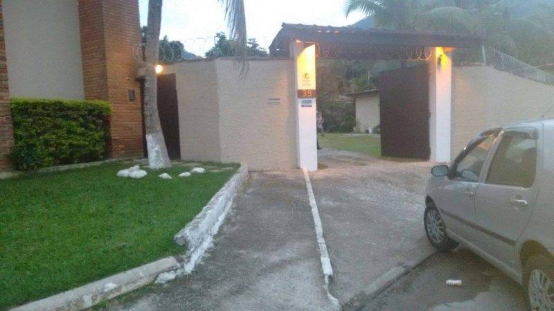 Fachada Condominio - Entrada e Saída de Veiculos