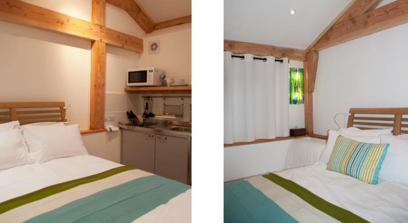 Bull Farm Studios - River Room, holiday rental in Andover