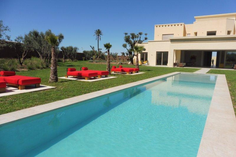 6 Avis Et 34 Photos Pour Villa De Luxe 750m2 Avec Piscine Privee