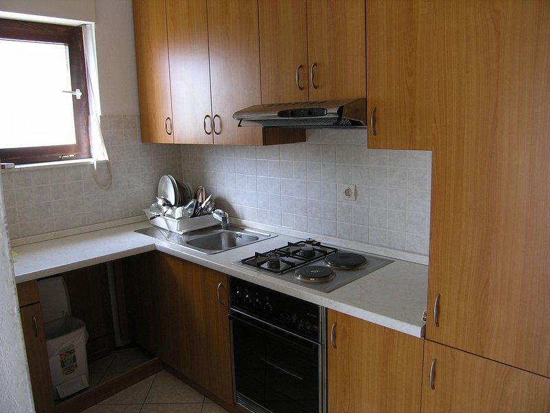 A2(6+2): kitchen