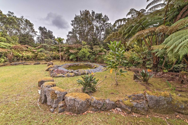 Go ahead and plan your Hawaiian getaway to this property!