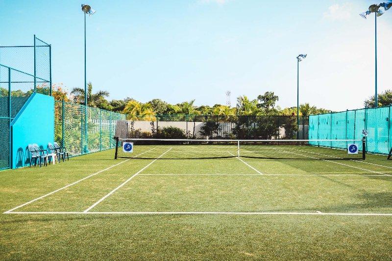 Mareazul Tennisplätze