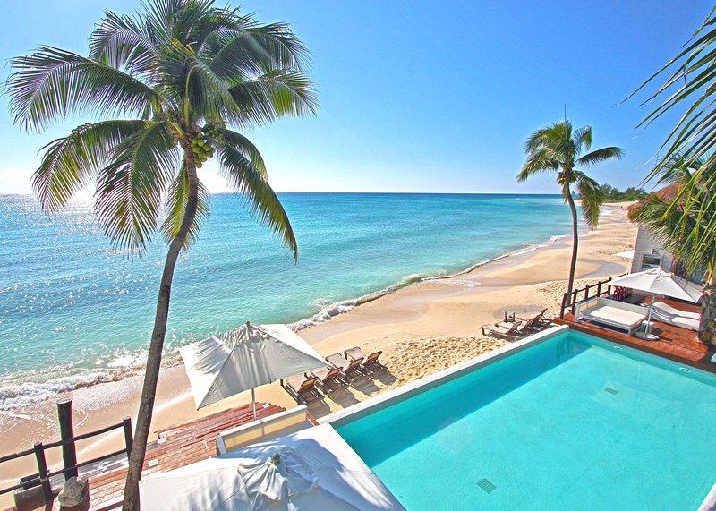 Gran Coral Beach Club