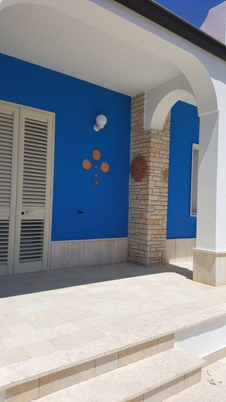 Villetta indipendente 5 stelle Vicino le Spiagge di Gallipoli, holiday rental in Torre Suda