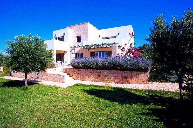 Waterfront Villa in 4500 SQM, vacation rental in Saronic Gulf Islands