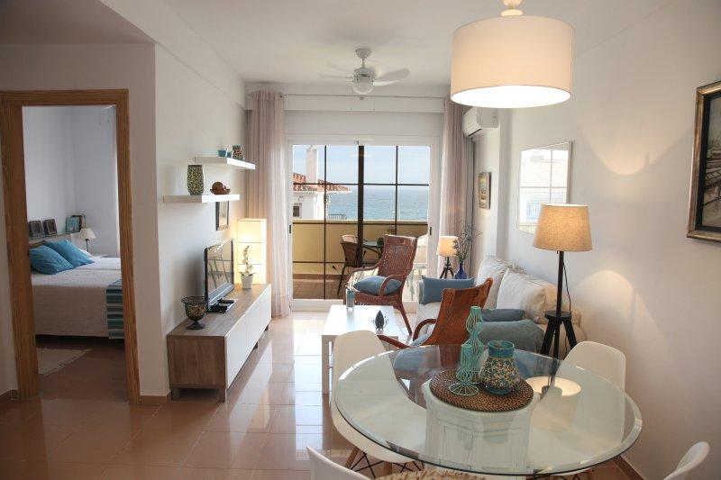Prachtig gerenoveerd appartement Brand. uitzicht op zee. 4 personen. Eigenaar direct.
