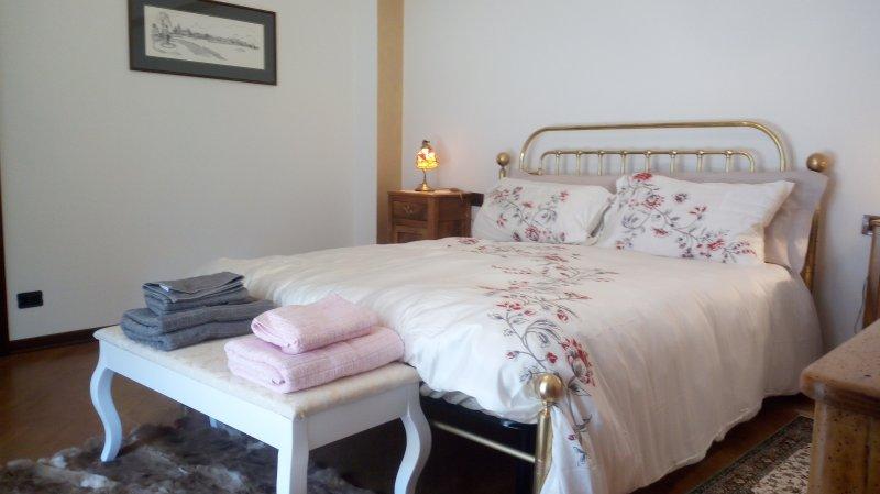 Nonna, Villa Azalea, vacation rental in San Fermo della Battaglia