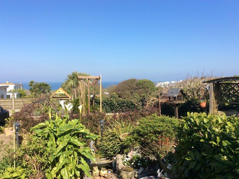 Vista desde la entrada principal hacia la costa