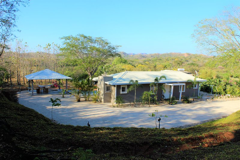 Villa with swimming pool, a peaceful haven near Tamarindo and beaches