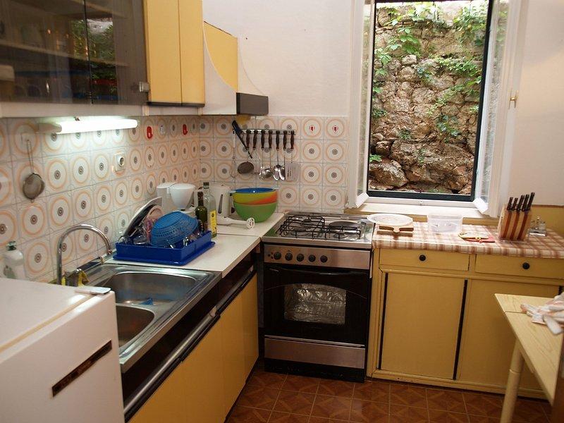 A1(6+2): kitchen