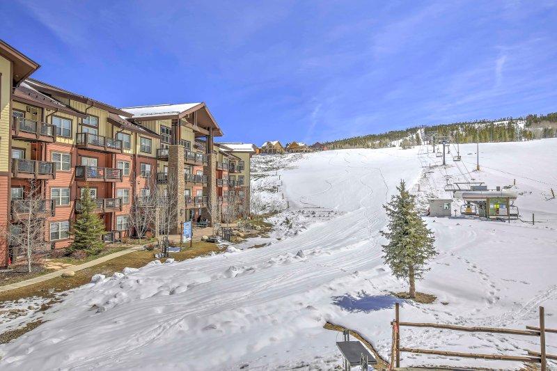 Esta propriedade / ski-out sk-in é perfeito para o ávido esquiador / snowboarder.