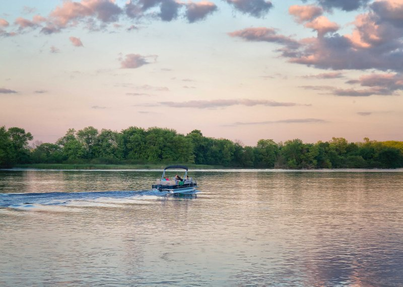 Ride along the Mississippi River for a calming day on the water!