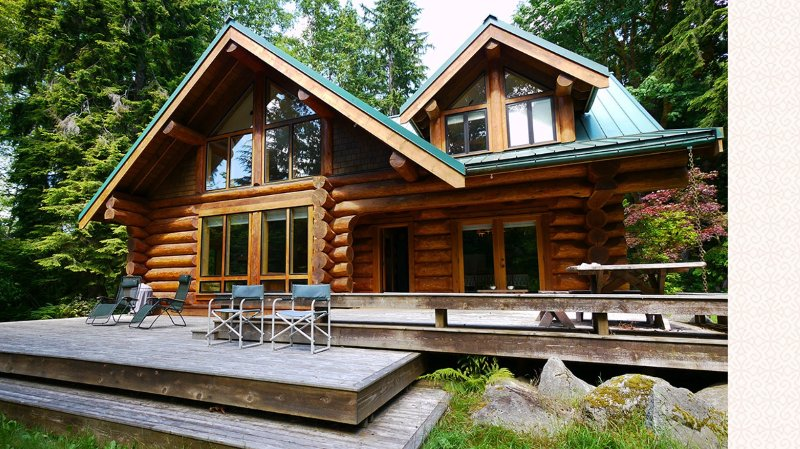 New on Market River front Luxury Log Cabin 1 hour from Seattle