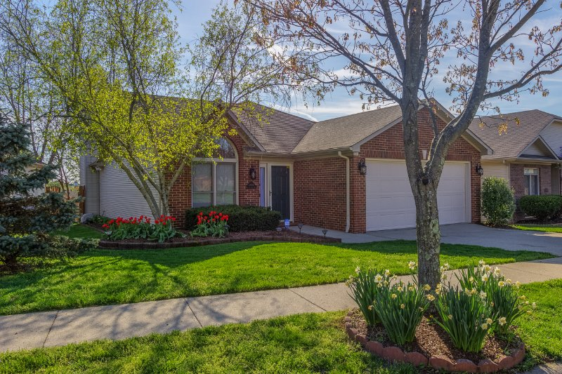 15 Min to Keeneland/KY Horse Park/Red MileRacetrack/Airport/Downtown Lexington, vacation rental in Lawrenceburg