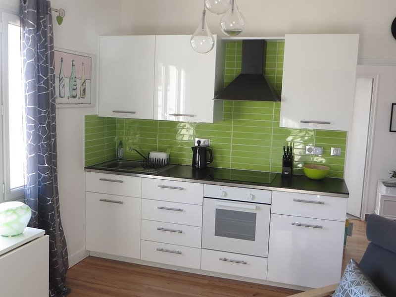 Fully equipped kitchen; induction hob, microwave etc.