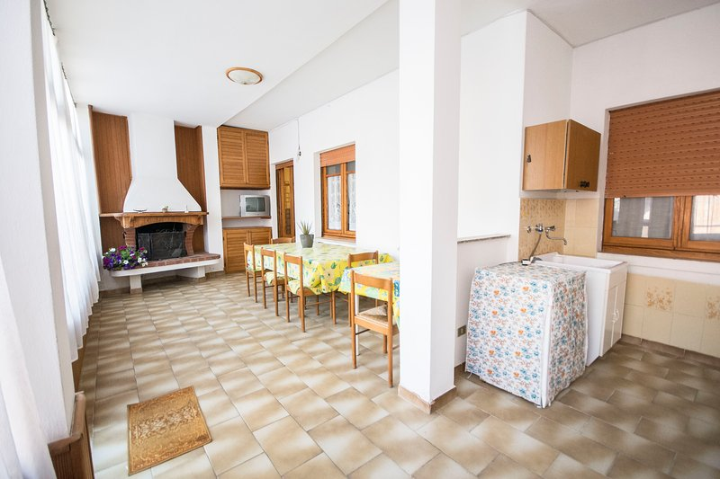 Spacious house with mountain view, holiday rental in Siliqua