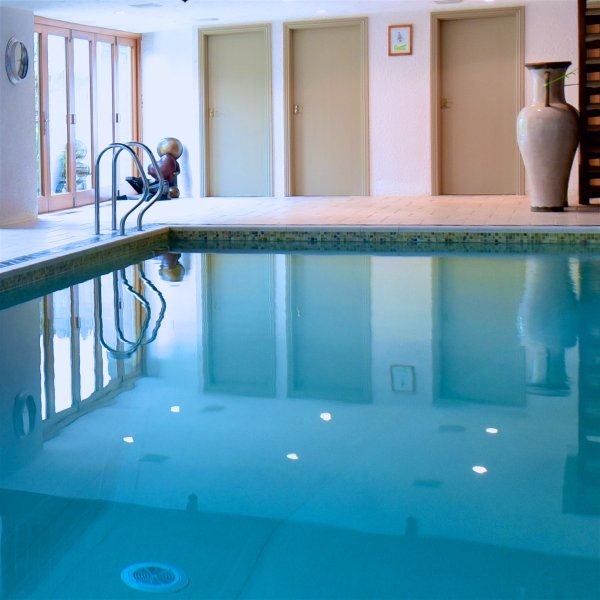 Flo's Cottages, Rural but not remote, indoor pool and beautiful countryside, holiday rental in Melbury Osmond