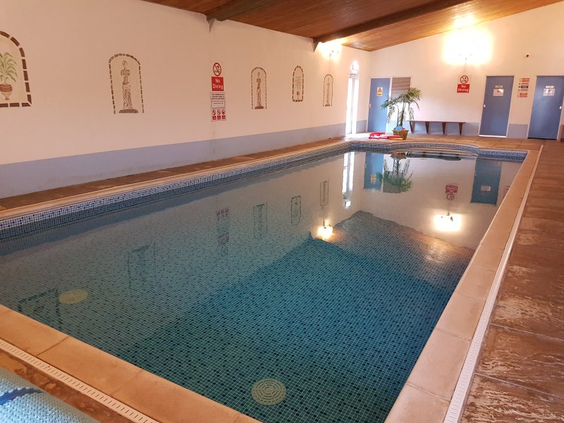 38ftx16ft swimming pool with roman end