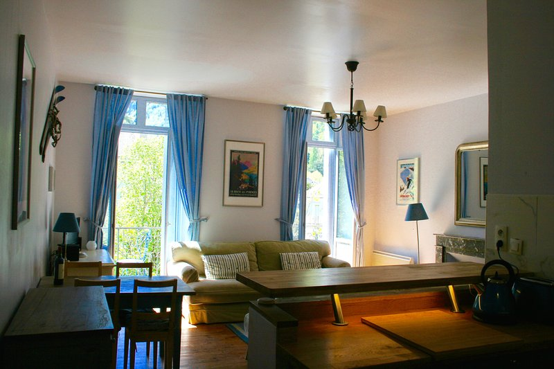 Villa Cecilia, Apartment 7, vacation rental in Bagneres-de-Luchon