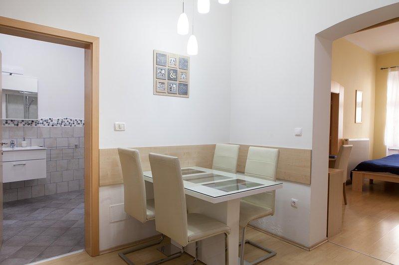 Apartment VIKTORIJA - dining corner