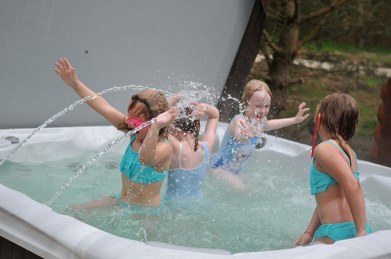 Have fun in our luxury hot tub
