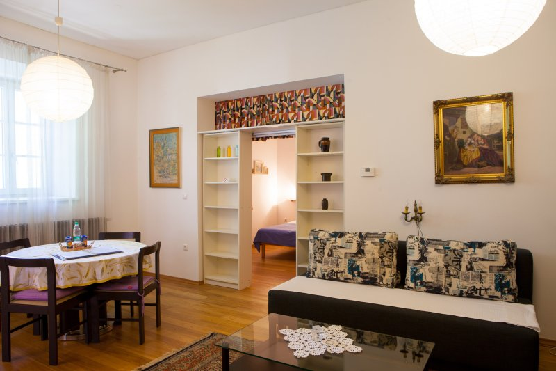 Central Apartment Vita TourAs, free AC and WiFi, holiday rental in Ljubljana