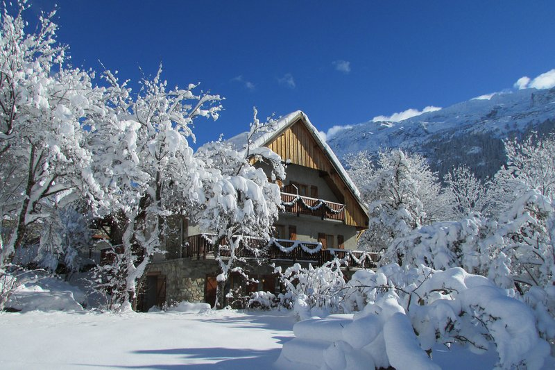 CATERED CHALET SOLNEIGE, alquiler vacacional en Vaujany