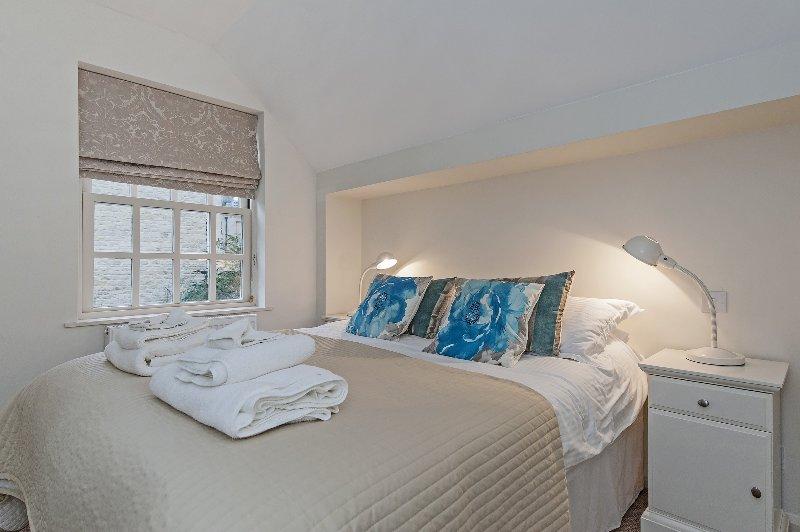 La deuxième chambre est également super king-size. Les deux chambres peuvent être comme des jumeaux sur demande.