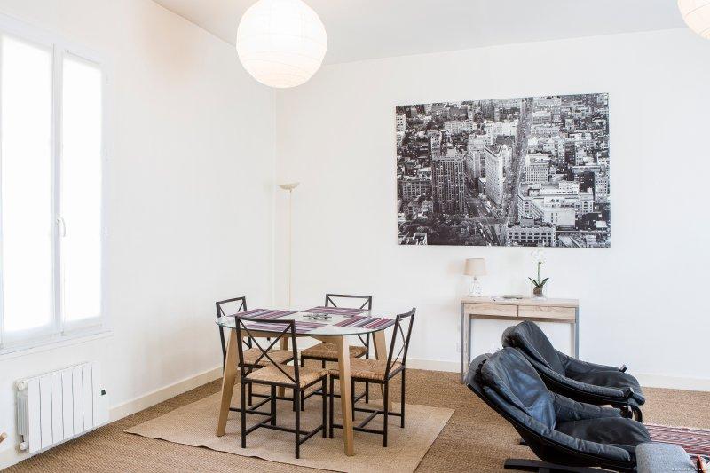 Chartrons joli appartement pour 2, location de vacances à Lormont