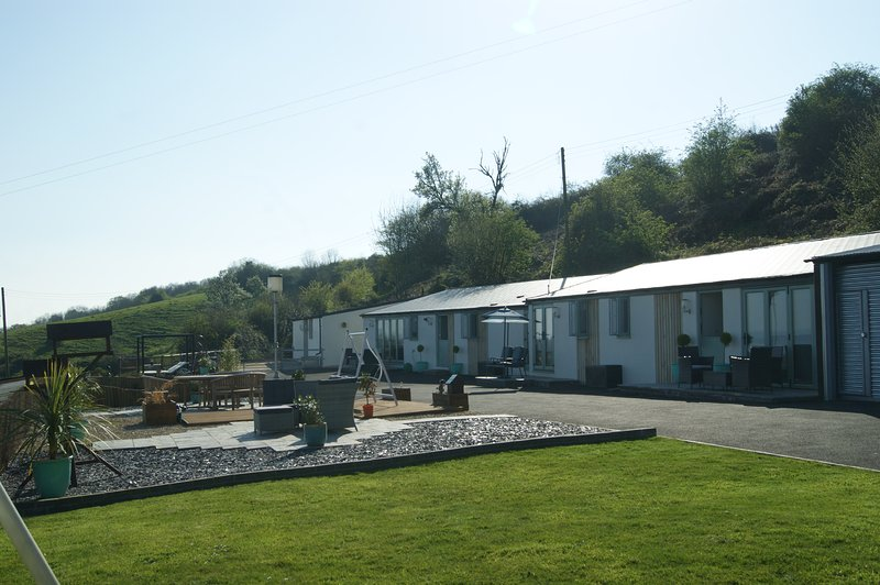 The Retreat luxury Holiday Accommodation with Fantastic views and a Hot Tub – semesterbostad i Chepstow