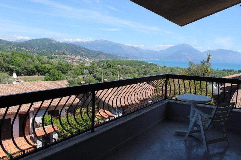 Casa vacanze Scario, vacation rental in Acquavena