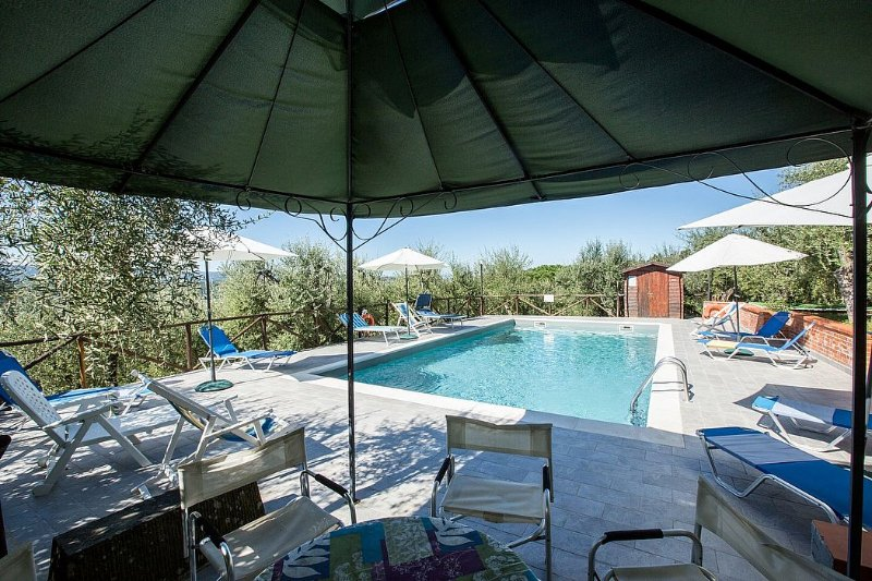 Mattone Villa Sleeps 12 with Pool and WiFi - 5456880, holiday rental in Vico D'elsa