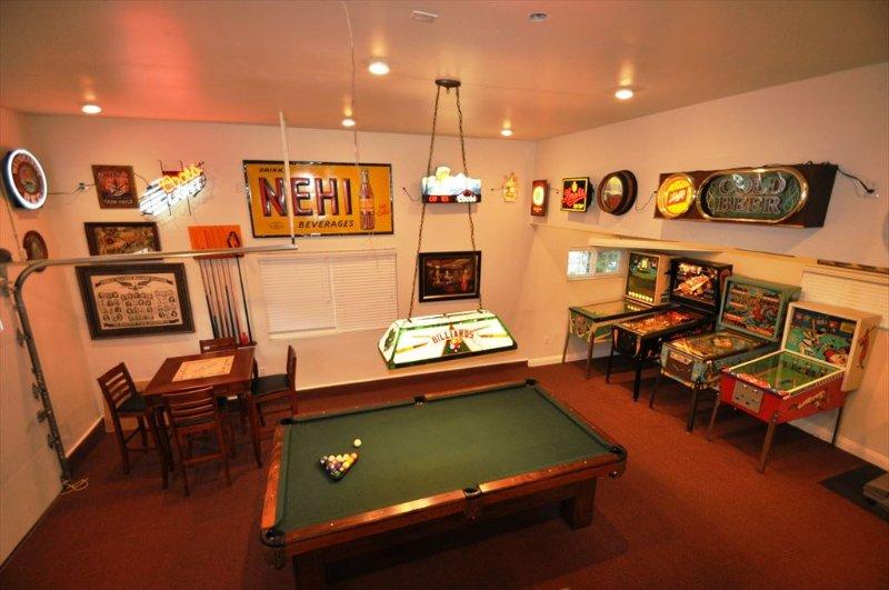 Fabulous gameroom in the garage, Unit 1 Lot 100 Pine Mountain Lake Vacation Rental Creme de la Creme %351