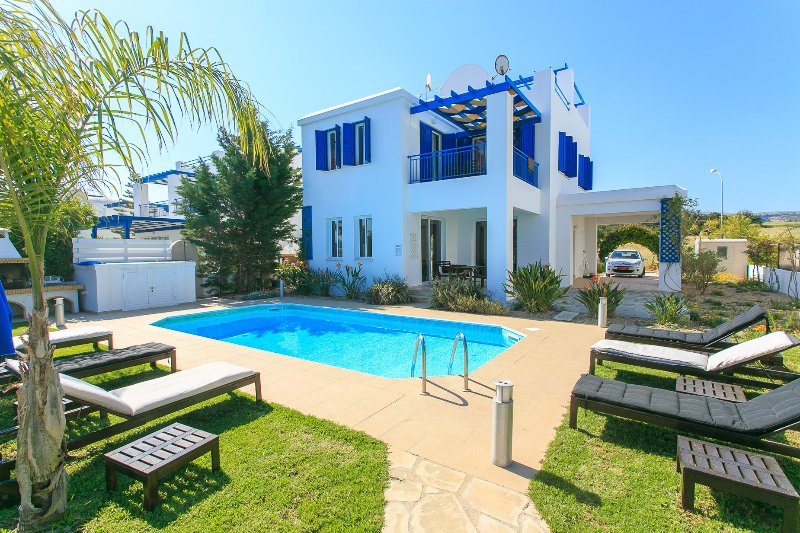 Beautiful Beach Front Villa with Private Pool, Terrace and Garden