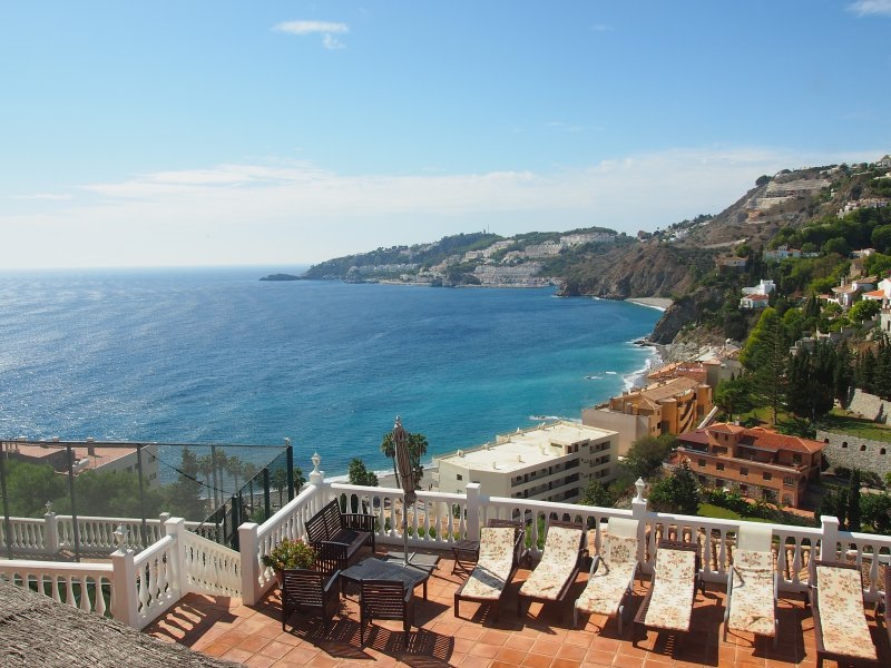 Excellent view of beach, marina, promenade, mountains & other luxury villas. You can hear the waves!