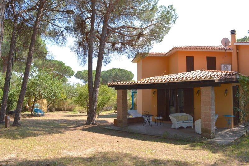 Villa I Pini 2 - Luxury Villa - 150m from the Sea, vakantiewoning in Pula
