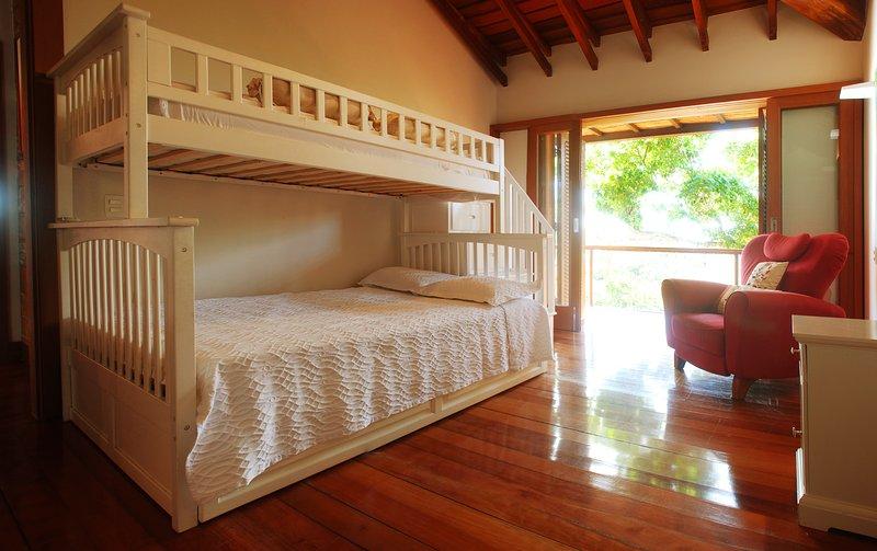 Suite Ocean III: 3 literas, uno de los cuales es un doble (2 otra individual), con terraza privada