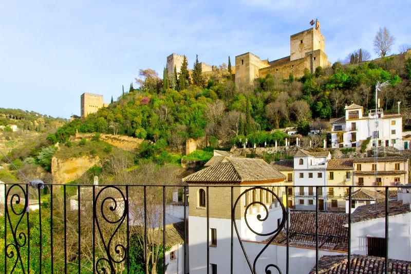 Voir vers le Alhambra à partir du balcon.