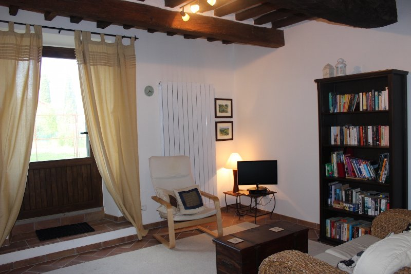 Little Umbrian House, holiday rental in Cozzano