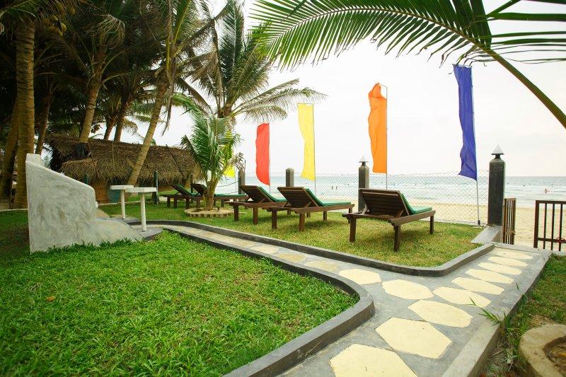 Tharanga Surfing Villa, holiday rental in Ahangama