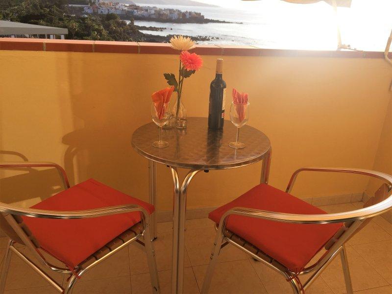 Sol, mar, relax y magníficas vistas, holiday rental in Punta Brava