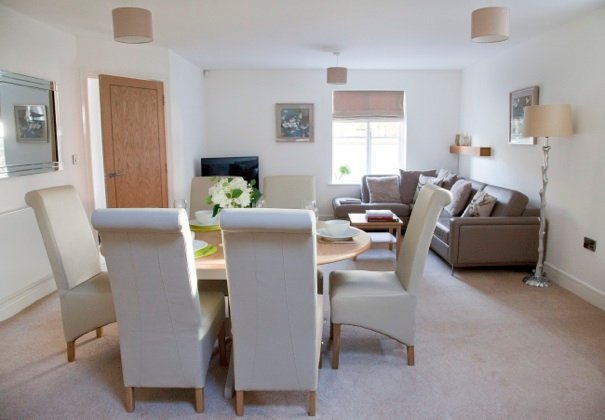 York Place Superb 4 bed house, Ferienwohnung in Harrogate