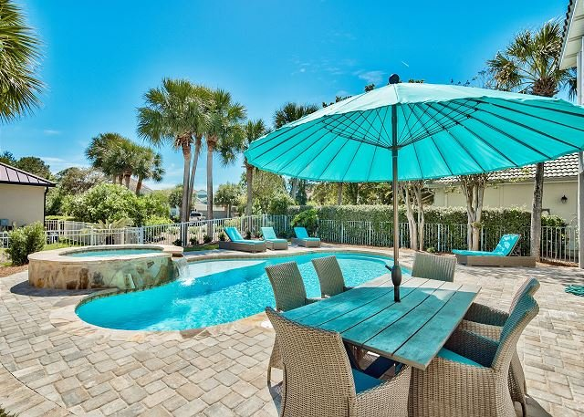 Silver Blessings - Private Pool, Patio and Hot Tub