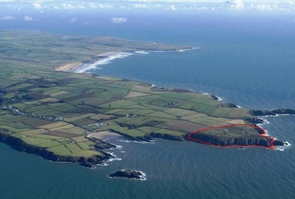 East Blockhouse is outlined in red with Angle beach to the South and Freshwater West to the North