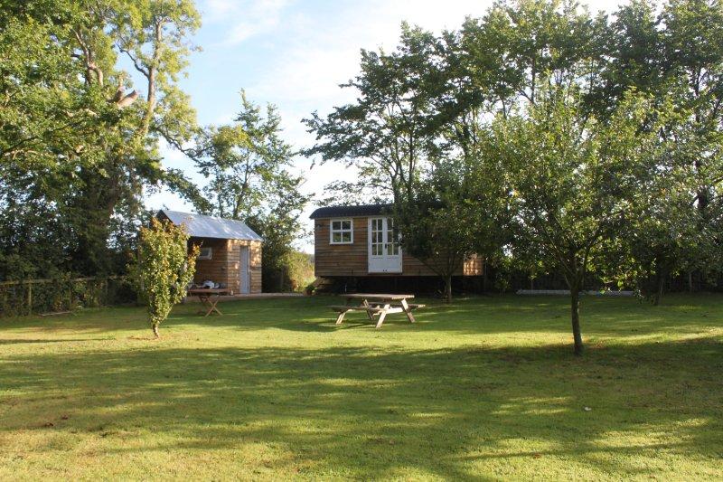 Shepherd's Hut, Romantic, Luxury retreat, casa vacanza a Cresselly