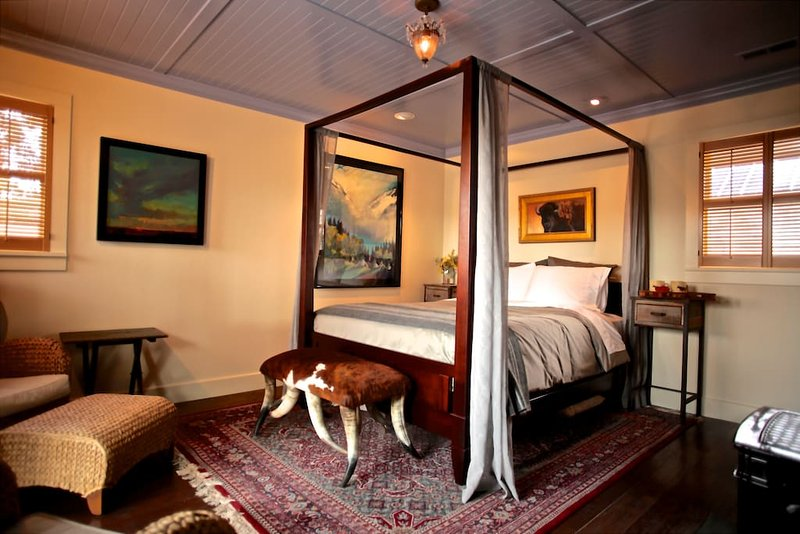 Whiskey Belle Ranch, an Elegant Western Bed & Breakfast.  The Pendelton Bedroom, vacation rental in Livermore