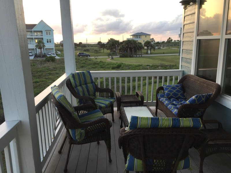 Admirable Galveston House W Private Beach Access 2 Decks Updated Home Interior And Landscaping Elinuenasavecom